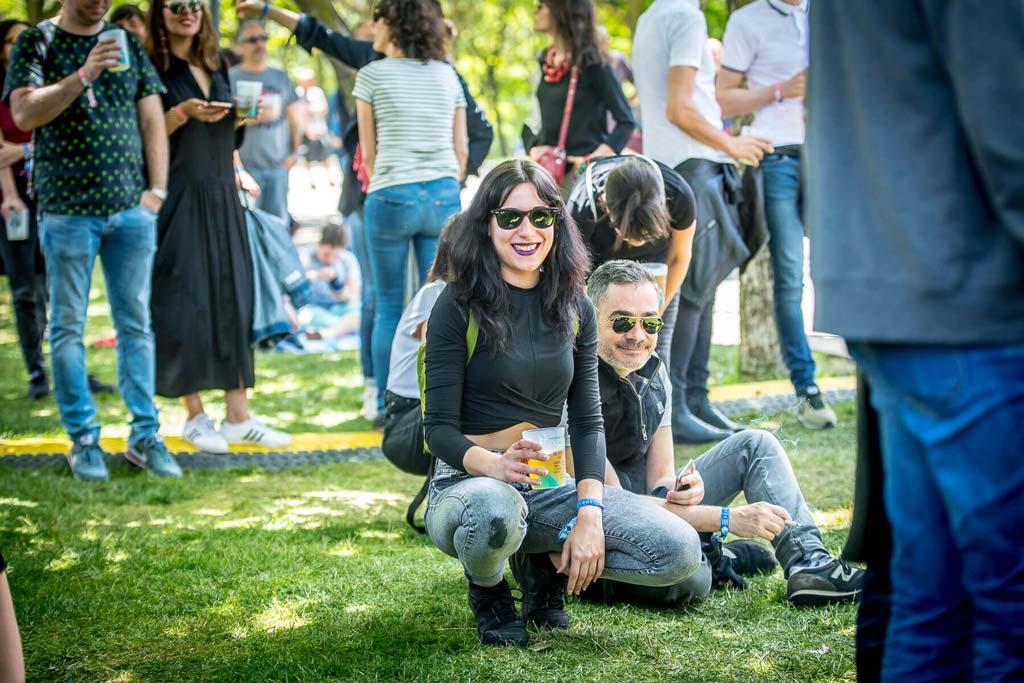 Público en el parque Enrique Tierno Galván en Festival Tomavistas 2018